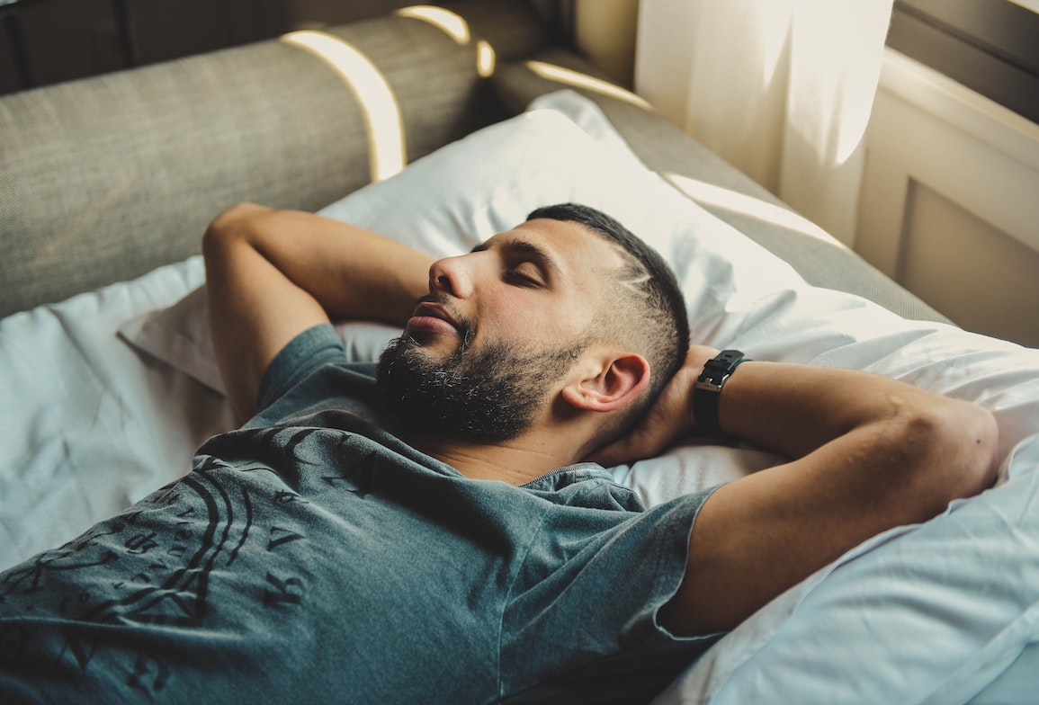 does sleeping help you lose weight